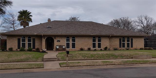 2817 Country Club Road, Arlington Central, Texas