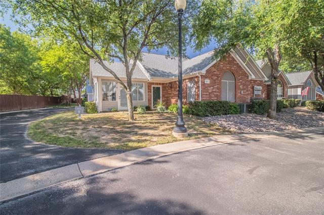 803 Cara Lane, Arlington North, Texas