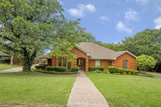 220 Dickinson Drive, Highland Village, Texas