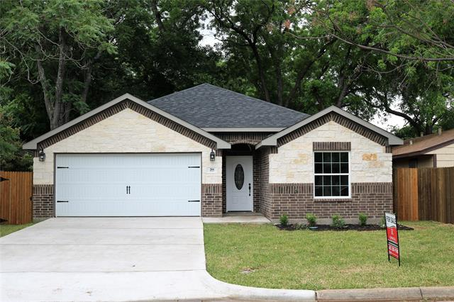 204 Maple, Arlington North in Tarrant County, TX 76011 Home for Sale