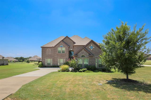407 Village Way, Aubrey, Texas