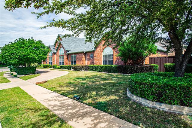 2305 Creekview, Carrollton, Texas