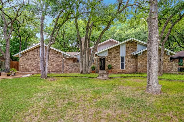 309 Tanglewood Lane, Highland Village in Denton County, TX 75077 Home for Sale