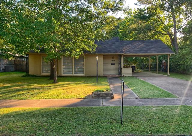 1612 Bowie Drive, Corsicana, Texas