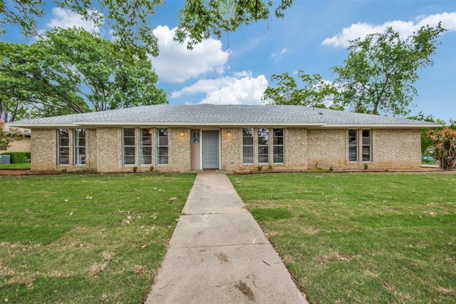 2512 Buckingham Drive, Denton, Texas