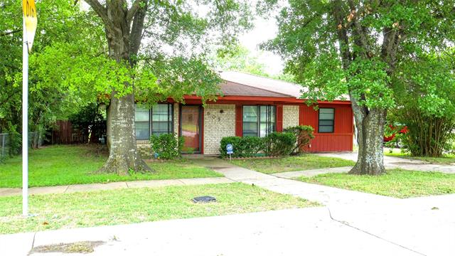 One of Corsicana 3 Bedroom Homes for Sale at 605 E 13th Avenue