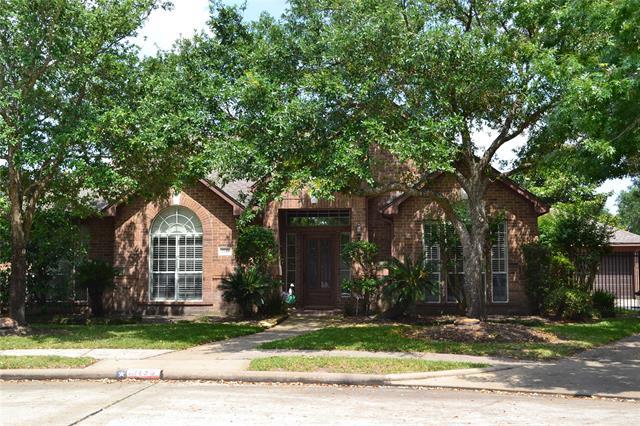 2135 Bevington Oaks Circle, Kelliwood, Texas