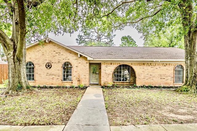 3209 Avon Drive, Arlington Central, Texas