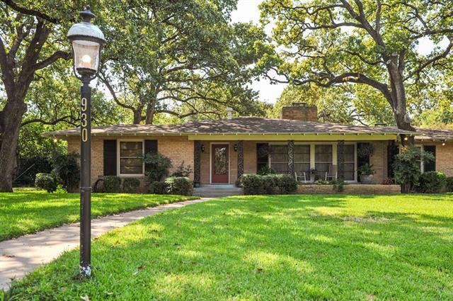 930 Meadow Oaks Drive, Arlington Central, Texas