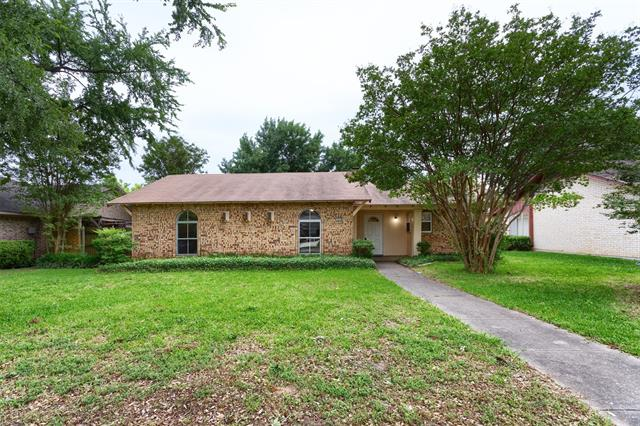 1414 White Oak Drive, Garland in Dallas County, TX 75040 Home for Sale
