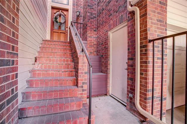 Dallas Uptown Homes for Sale -  Pool,  3235 Cole Avenue