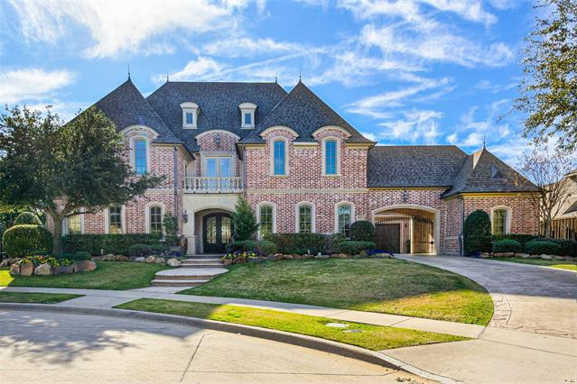 8441 Stone River Drive, Frisco, Texas