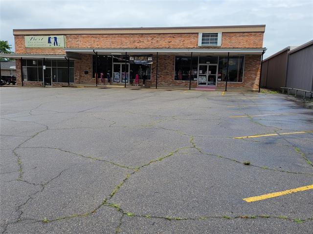 primary photo for 1235 Clarksville Street 1245, Paris, TX 75460, US