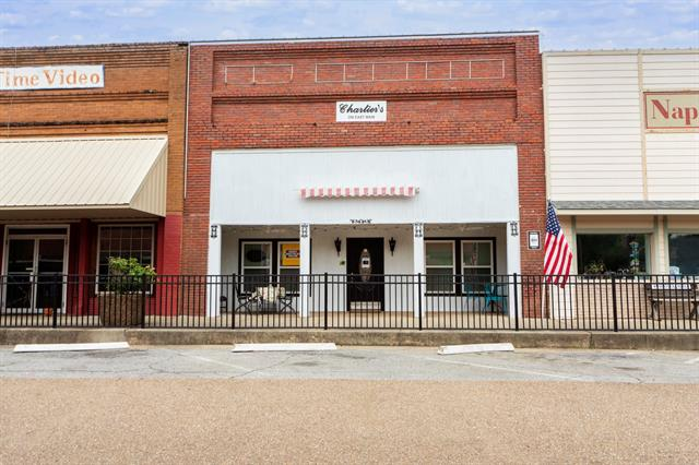 primary photo for 206 Main Street, Naples, TX 75568, US