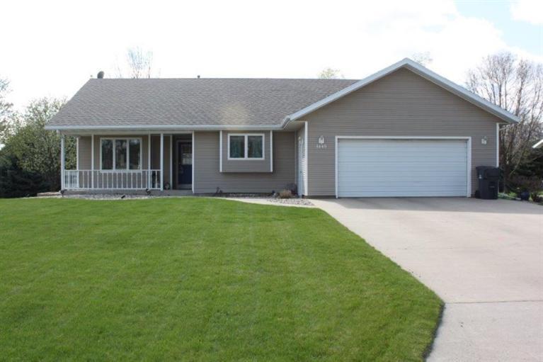 Real Estate for Sale, ListingId: 33002443, Sioux Center,IA51250
