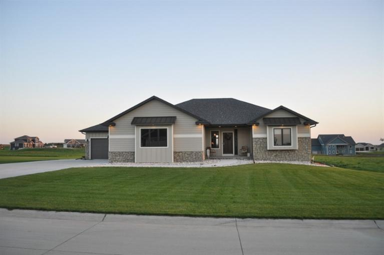 Real Estate for Sale, ListingId: 35605343, Sioux Center,IA51250