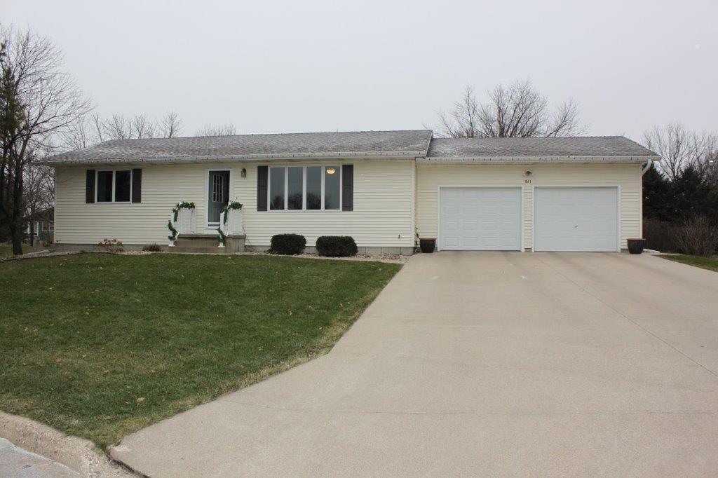 Real Estate for Sale, ListingId: 36642005, Sioux Center,IA51250
