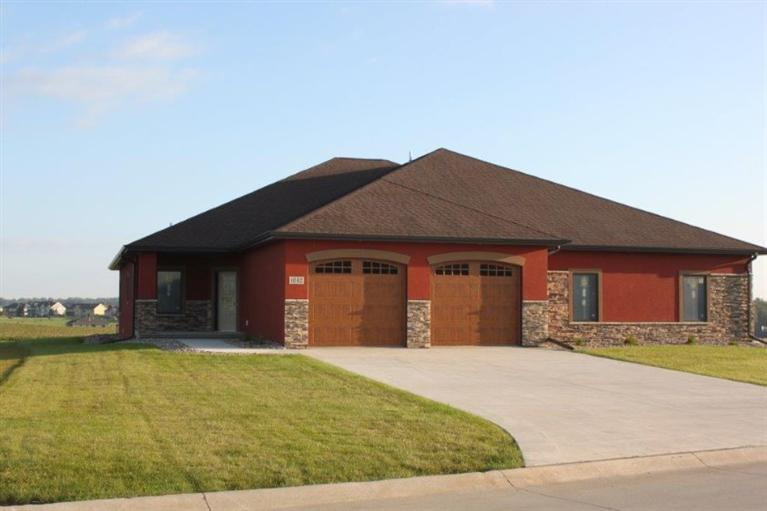 Photo of 1042 Teres View Dr  Sioux Center  IA