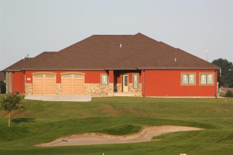 Real Estate for Sale, ListingId: 37125544, Sioux Center,IA51250