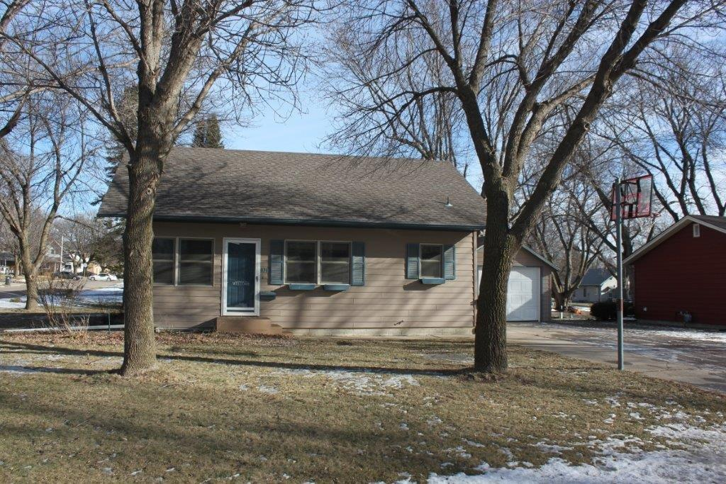 Photo of 1010 1st Avenue  Sioux Center  IA