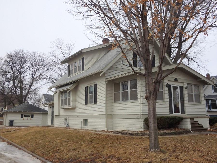 Photo of 105 2nd Avenue  Sioux Center  IA