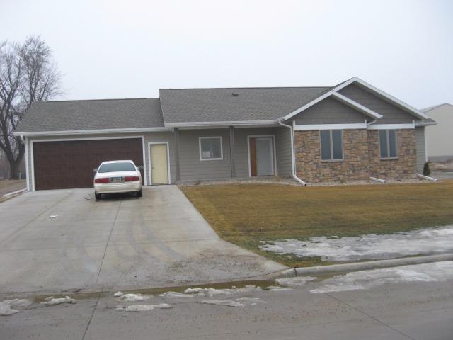 Photo of 1703 6th Street  Hull  IA