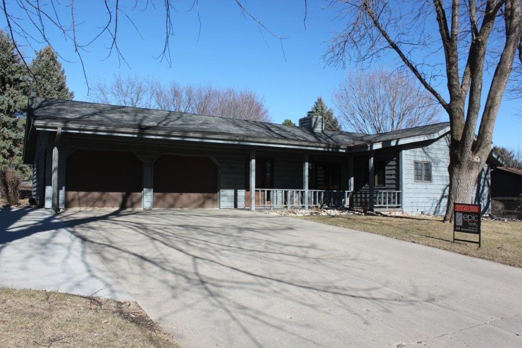 386 12th Ave NE, Sioux Center, IA 51250