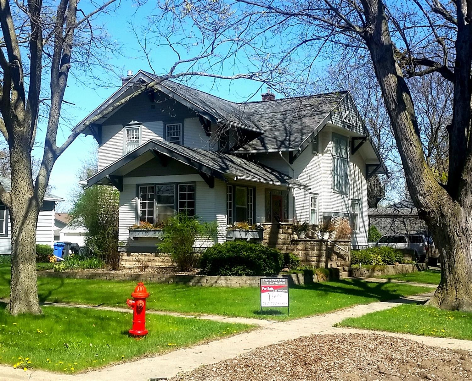 Photo of 307 Northeast 2nd Avenue  Sioux Center  IA