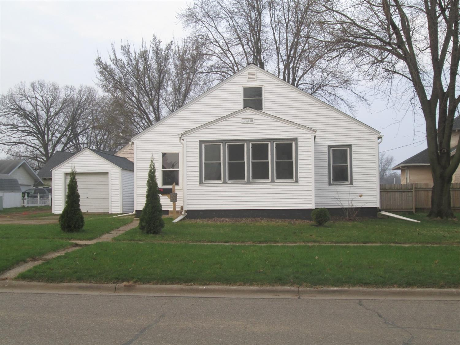 Photo of 31 2nd Street Southwest  Sioux Center  IA