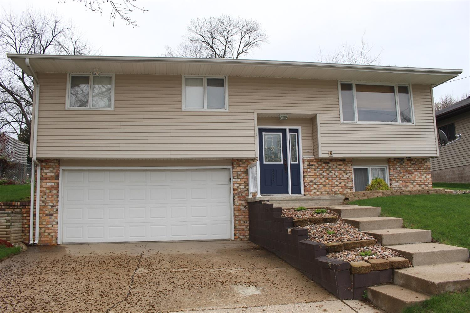 Photo of 2512 South Lyons Street  Sioux City  IA