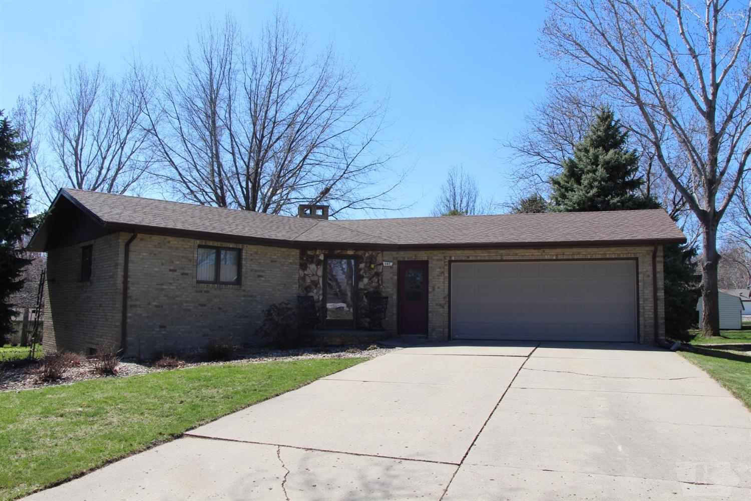 Photo of 501 Rotterdam Court Southeast  Orange City  IA