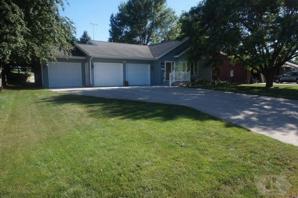 Photo of 607 5th Street Southeast  Orange City  IA