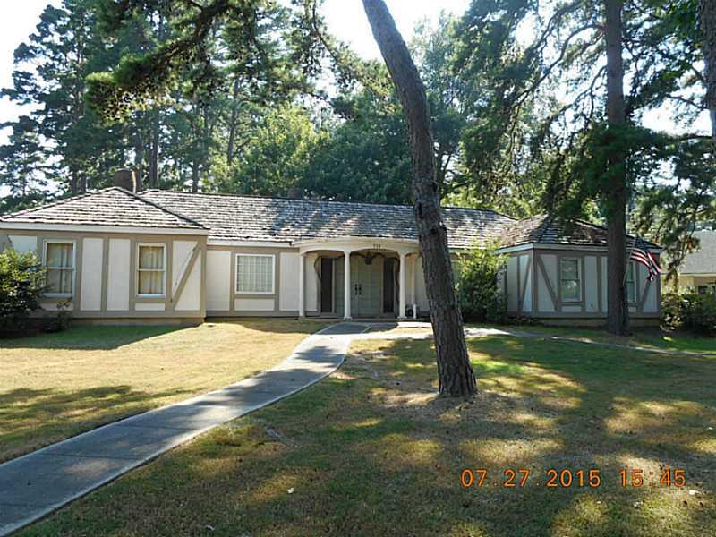Photo of 701 Pine Street  Springhill  LA