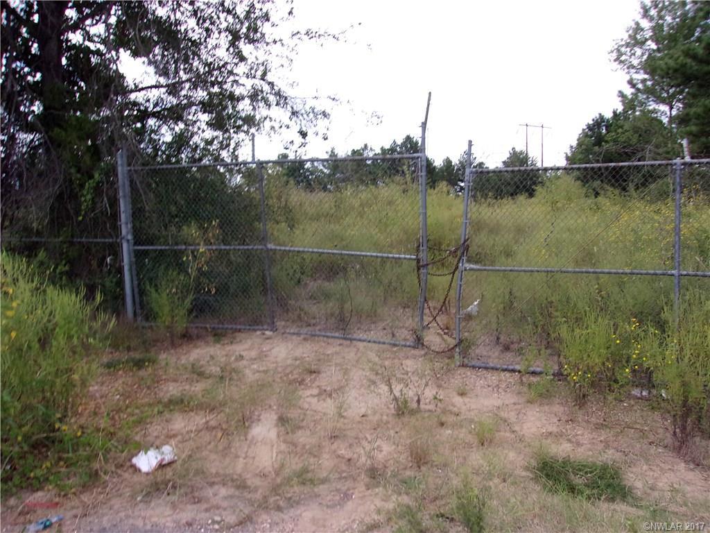 5564 Greenwood Road, Shreveport, Louisiana