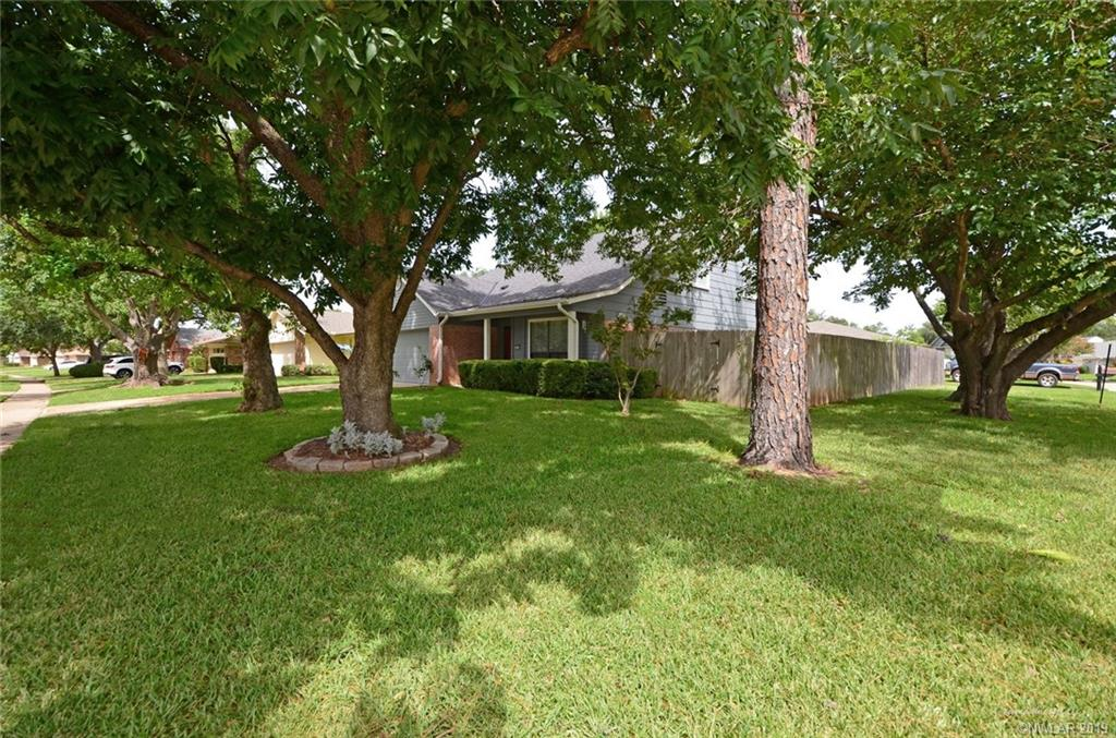 402 Stratmore Drive 71115 - One of Shreveport Homes for Sale