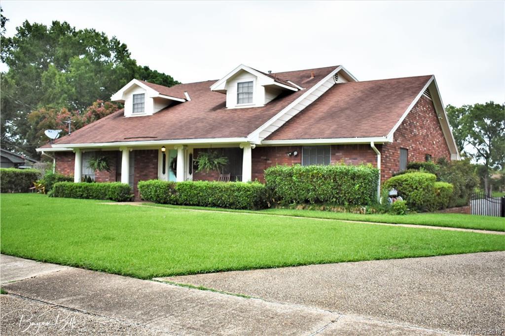 2425 Lakecrest Drive, Shreveport, Louisiana