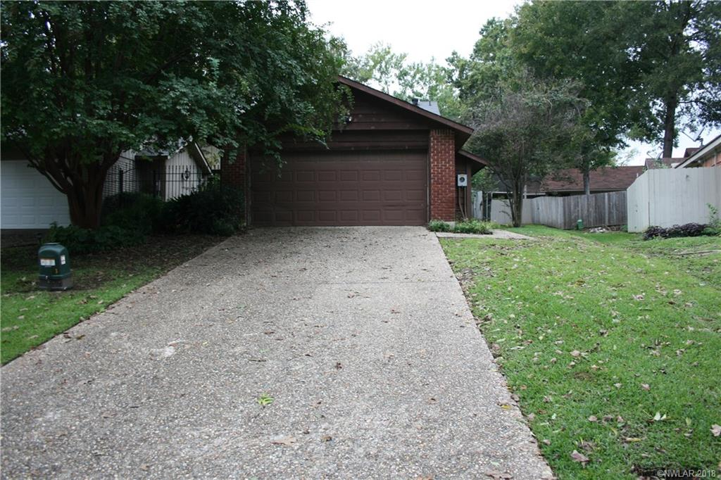 One of Shreveport 3 Bedroom Homes for Sale at 1826 Willow Point Drive