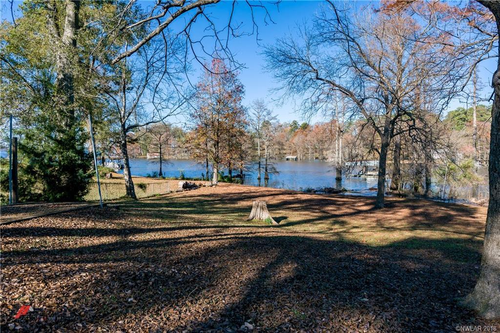 1644 Cross Lake Boulevard, Shreveport, Louisiana