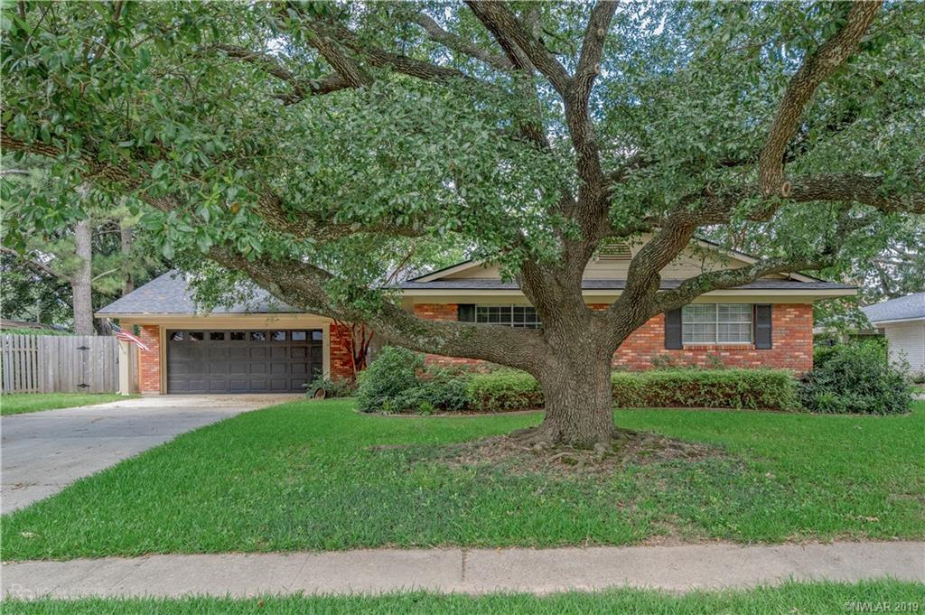 One of Shreveport 3 Bedroom Homes for Sale at 706 Robards Street