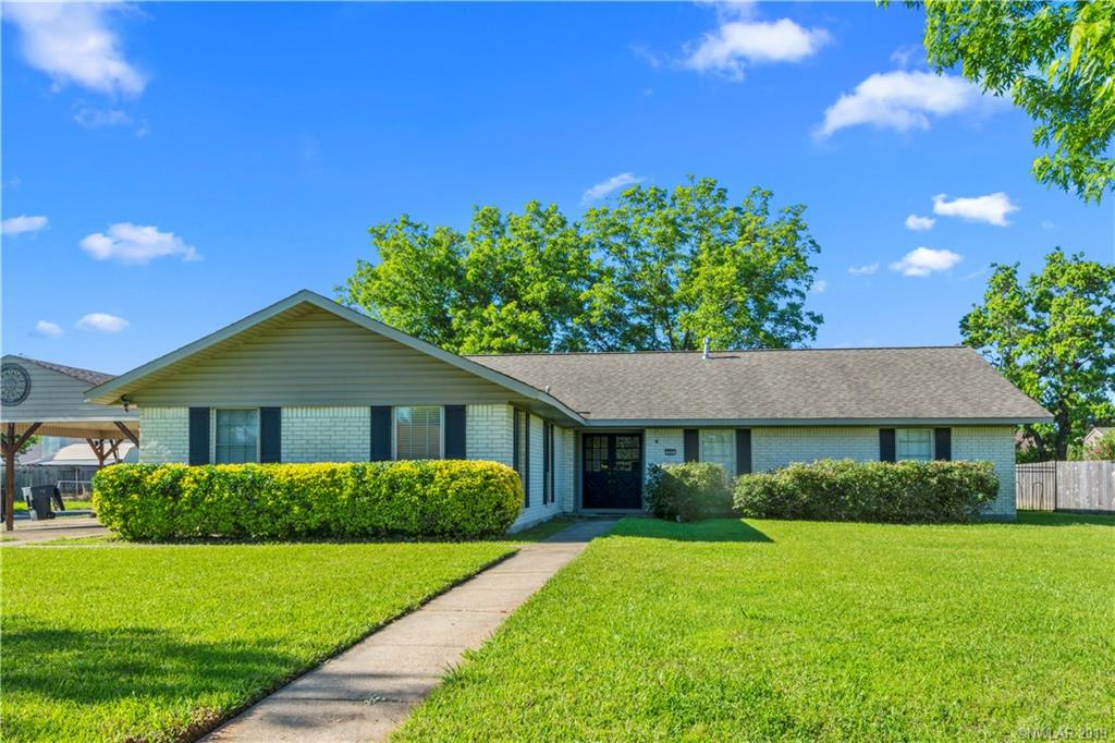 One of Bossier City 5 Bedroom Homes for Sale at 206 Lancashire Drive