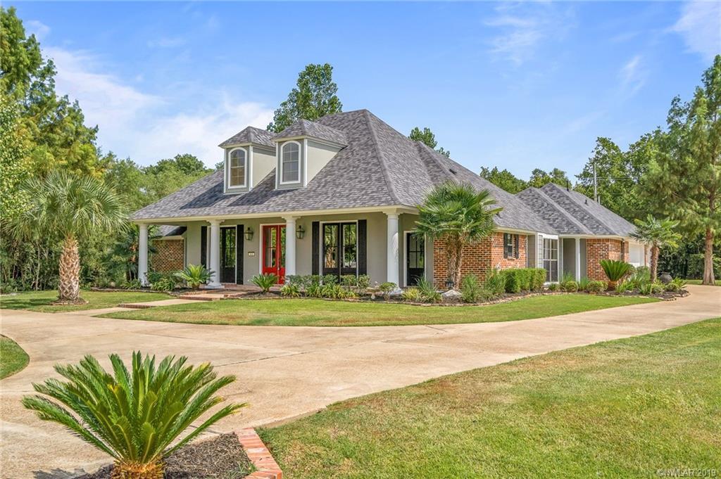 402 Crosscreek Drive, Bossier City, Louisiana