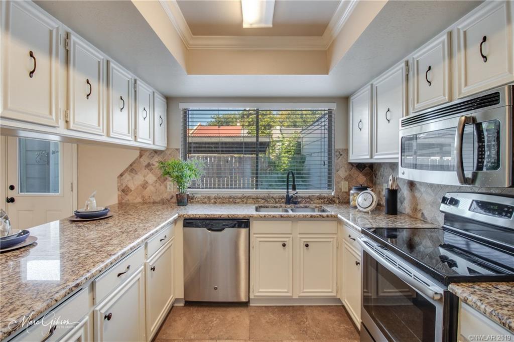 One of Shreveport 3 Bedroom Homes for Sale at 10061 Alondra Street
