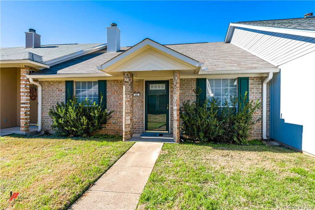 5005 Longstreet Place, one of homes for sale in Bossier City