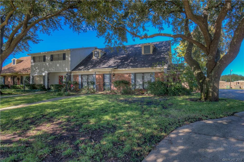202 Deville Place, one of homes for sale in Shreveport