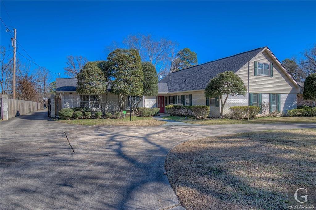 3233 Pines Road, Shreveport, Louisiana