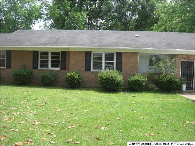 Photo of 699 E Coleman Avenue  Holly Springs  MS