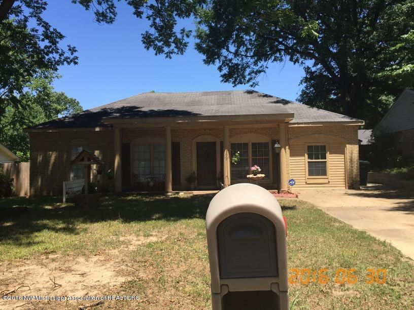 Photo of 2092 Ashland Drive  Southaven  MS