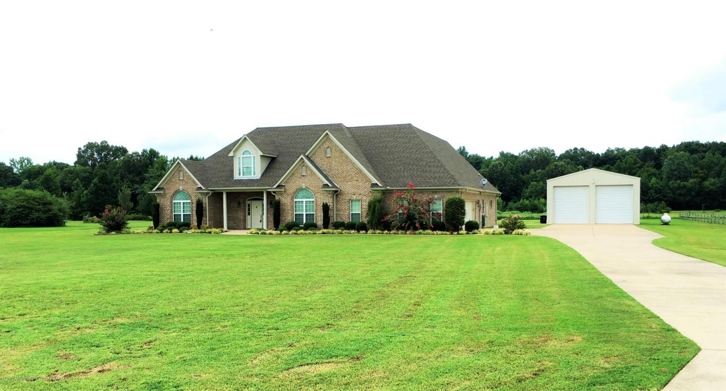 573 Golden Pond Dr, Coldwater, MS 38618
