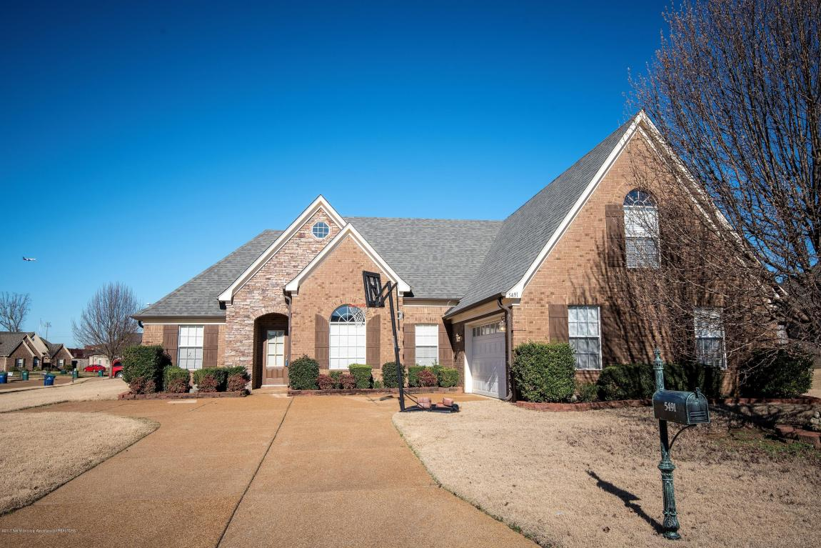 Photo of 5491 SUGARBERRY Lane  Southaven  MS