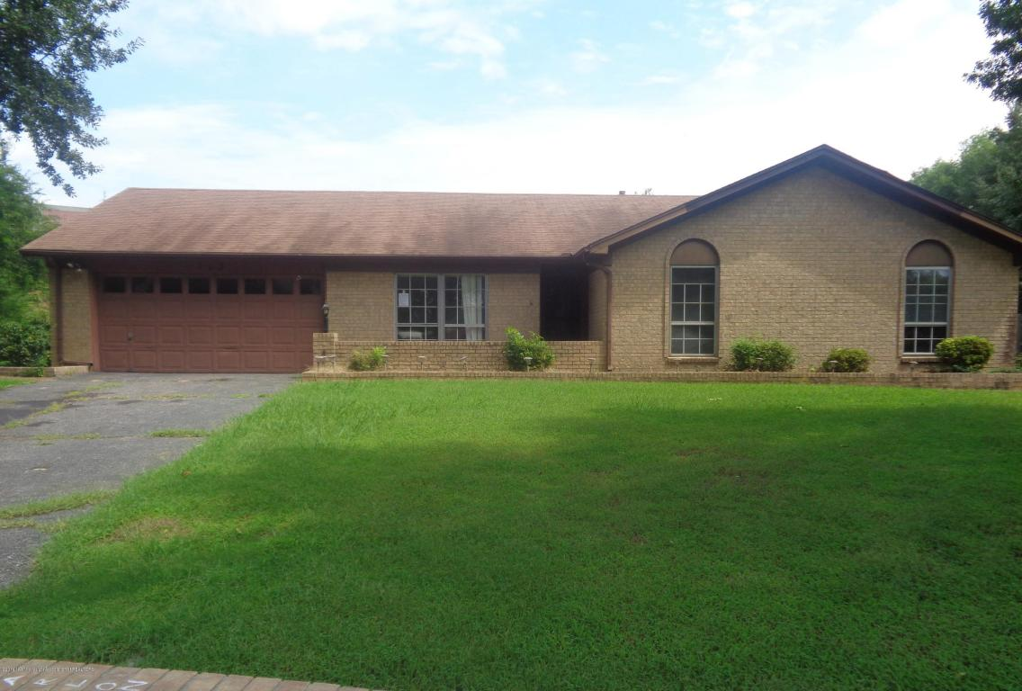 Photo of 713 LEE Cove  Southaven  MS